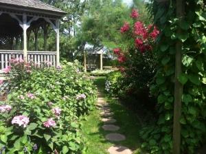 Hereford lighthouse gardens (2)